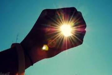 آورنده نور باش
