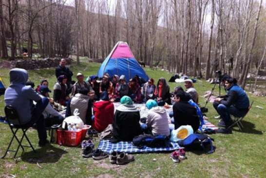 با پرفسور صدریا در طبیعت آذربایجان